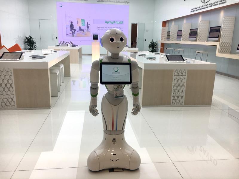 图: 迪拜水电局服务中心的人工智能机器人