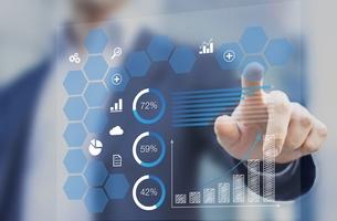 利用先進分析技術篩選有用可靠的商業數據。